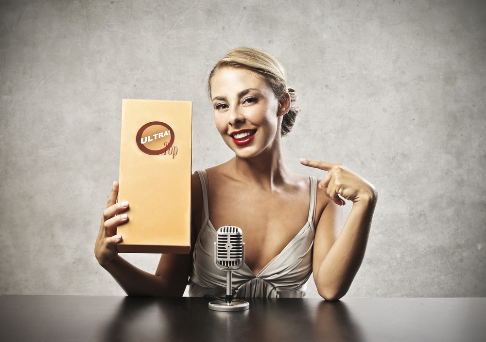 Контекстная реклама блондинка
